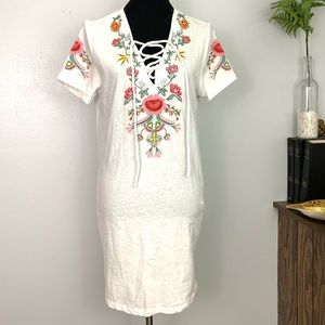 Umgee | Floral Embroidery Lace neckline Dress M